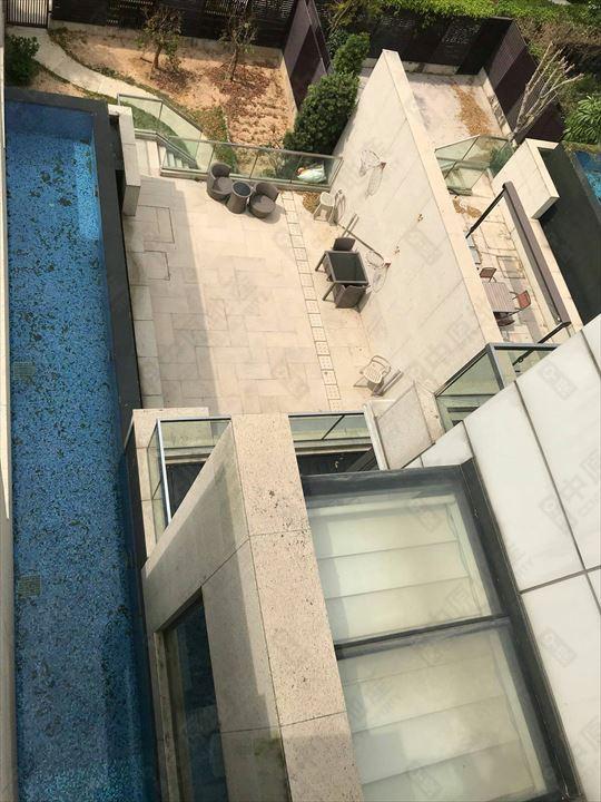 单位外部 - 泳池
