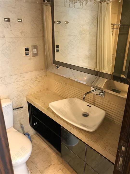 單位內部 - 主人浴室