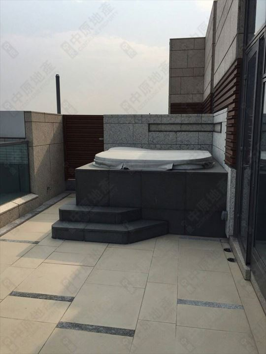 單位外部 - 按摩浴池